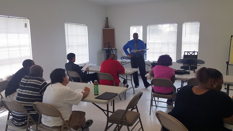 Johnny Gentry teaching a job readiness class